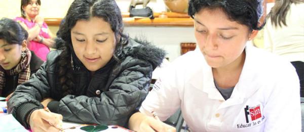 """El manual que forma parte del proyecto """"Humanos totales"""" tiene como objetivo ser una fuente vital para las y los estudiantes. Foto: Icoso/ Chiapas PARALELO."""