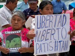 Pidiendo por la libertad de Alberto Patishtán. Foto: Archivo blog Patishtán/Chiapas PARALELO.