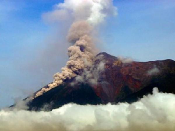 En los últimos meses tres volcanes de Guatemala entraron en actividad. En la imagen Volcán de Fuego. Foto: Gobierno de Guatemala