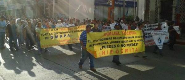 Manifestación en contra de la privatización del agua potable en Tuxtla. Foto. Isaín Mandujano/Chiapas PARALELO.