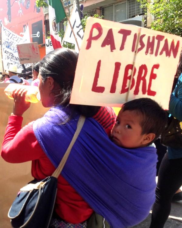 Habitantes de el municipio El Bosque marcharon ayer en Tuxtla por la liberación de Patishtán. Foto: Isaín Mándujano/Chiapas PARALELO.