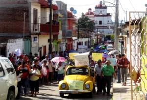 Al igual que en Chiapa de Corzo, como se ve en la imagen, los chiapanecos han salido a las calles para apoyar a los maestros. Foto: Radio Pozol/Chiapas PARALELO
