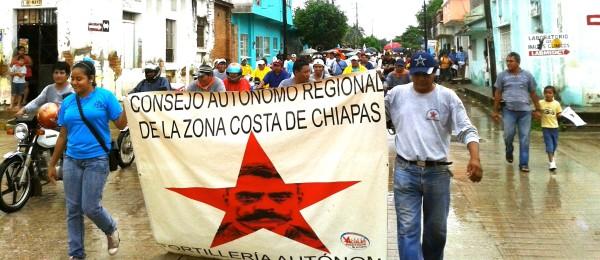 """7 años de Lucha y Resistencia"""" Marcha del Consejo Autónomo Regional de la Zona Costa de Chiapas. Foto: Radio Pozol"""