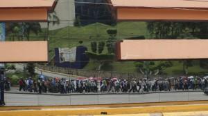 Columnas de maestras y maestros han desfilado por la avenida principal de la capital de Chiapas. Foto: Sarelly Martínez/Chiapas PARALELO