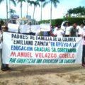 Madres de familia beneficiarias del programa Oportunidades en diversos municipios de Chiapas, denunciaron que fueron presionados para marchar en contra del movimiento magisterial y a favor del gobernador.