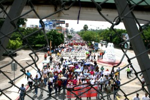 Reiteraron que no levantarán el plantón hasta que Peña Nieto desista de publicar la  Ley General del Servicio Profesional Docente.