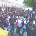 Cientos de estudiantes de San Cristóbal de las Casas manifestaron su apoyo al movimiento magisterial. Foto: Amalia Avendaño