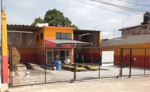 Negocios cerrados como este lavautos. Foto: Chiapas PARALELO