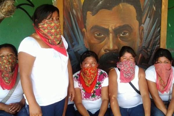 Mujeres de manifiestan para exigir la libertad de Adela Gómez, presa política de Chiapas. Foto: Cortesía Familia Gómez/Chiapas PARALELO