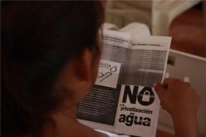 Ciudadanos se oponen a la concesión del servicio de distribución de agua potable, a la iniciativa privada. Foto: Cortesía Moviac Chiapas