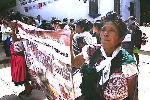 Mujeres tseltales demandan a la CFE tarifas justas en el servicio de energía eléctrica. Foto: CIEPAC