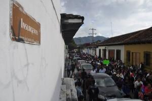 Miles marcharon hoy en San Cristóbal de las Casas en apoyo al movimiento magisterial. Foto: Carlos Cordero/Chiapas PARALELO.