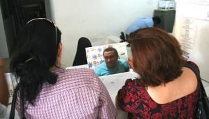 Unas 24 mujeres acudieron el lunes 30 a identificar y denuncia al taxista asaltante de Tuxtla. Foto: Isaín Mandujano/Chiapas PARALELO