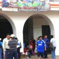 Trabajadores al servicio del gobierno de Chiapas denunciaron que no les pagaron la quincena de octubre, y otras prestaciones. Foto: Carlos Hererra