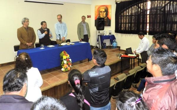 Especialistas de diversas áreas se reunieron con estudiantes de la UNICH
