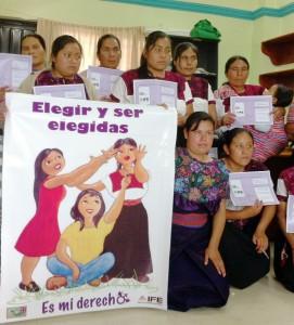 Mujeres de Larrainzar y Zinacantán participan en la campaña. Foto: Chiapas PARALELO