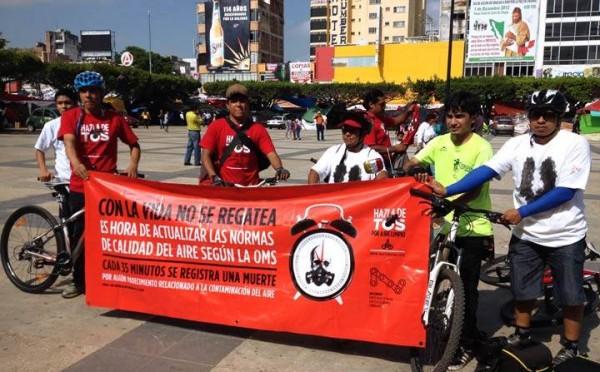 Los integrantes de Tuxtla en Bici realizaron una protesta ayer en la plaza central de la ciudad. Foto: Cortesía/ Chiapas PARALELO.