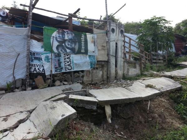 Casas ubicadas en la zona de las laderas sur y norte de  la Reserva El Zapotal, se encuentran en zona de riesgo. Foto: Benjamín Alfaro