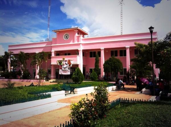 Así estuvo hoy la presidencia municipal de Suchiapa, también tomada por maestros. Foto: Chiapas PARALELO