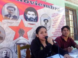 Jóvenes conmemoran el Día del Héroe Popular. Foto: Carlos Herrera