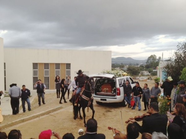 El entierro de Jhony. Foto: Fredy Martín Pérez