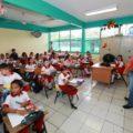 Tras los 87 días de paro laboral, maestros y maestras regresan este lunes a las aulas para atender a 1.3 millones de estudiantes, quienes esperan reccuperar los 200 días efectivos de clase que debe tener el actual ciclo escolar. Foto: Icoso