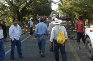 Los campesinos reclaman que las empresas compradoras de los productos básicos como maíz o frijol, abran centros de acopio en todas las zonas para solventar las necesidades de los productores. Foto: Chiapas PARALELO