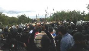 Así se miraba el bloqueo de lado de los policías estatales. Foto: Cortesía