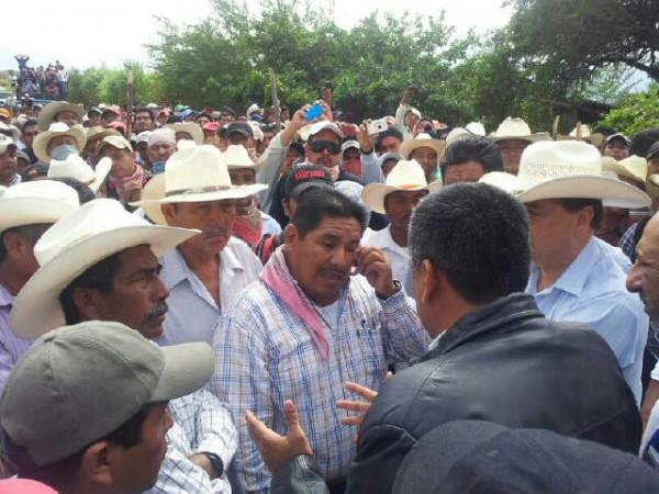 Los maiceros demanda el pago de 4 mil pesos por tonelada de maíz, el gobierno sigue en su oferta de 3 mil 700