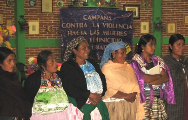 Mujeres indígenas tseltales en el marco de la Campaña del  Día Internacional de la Eliminación de la Violencia contra las Mujeres.