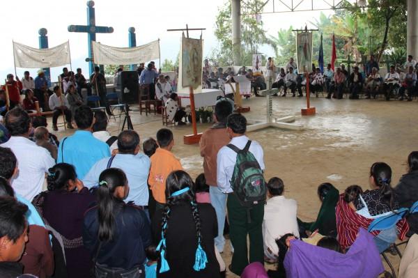 Desde agosto pasado desplazados  fueron obligados a refugiarse en Acteal, luego de recibir agresiones y amenazas por un grupo de evangélicos. Foto: Amalia Avendaño