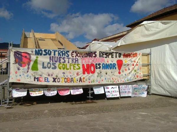 La violencia contra la mujer está relacionada con el alto consumo de alcohol, sostuvieron manifestantes. Foto: Amalia Avendaño