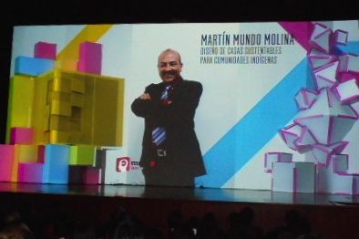 El Doctor Mundo Molina ha ganado diversos premios en el extranjero por sus proyectos a favor de comunidades indígenas. Ninguno ha sido adoptado por el gobierno de Chiapas.