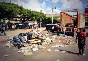 Varias toneladas de basura fueron recogidas del centro de Tuxtla. Foto: @Esqurlas/Chiapas PARALELO