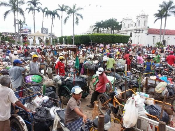 Tricicleros que recogen basura en Tapachula se manifiestan. Foto: Cesar Rodríguez