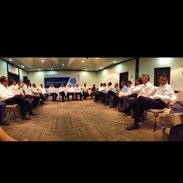 El Consejo Directivo de @coparmexchs con el Presidente Nacional @jpcastanon acompañado de 3 Vicepresidentes Nacionales de @coparmex