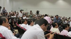 A la sesión solemne del Congreso asistieron en su mayoría trabajadores del gobierno del estado. Foto: Sandra de los Santos/ Chiapas PARALELO.