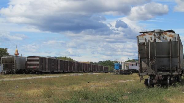 El tren de carga en el que se suben las y los migrantes para atravesar México. Foto: Sandra de los Santos/ Chiapas PARALELO.