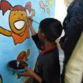 Enrique Díaz ha manifestado su compromiso social enseñando a dibujar y pintar a los niños y jóvenes de Chiapas, Quintana Roo y Yucatán desde hace dos décadas.