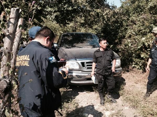 PGR llega al lugar donde se encontró a familia de Guatemala asesinada. Foto: Fredy Martín Pérez