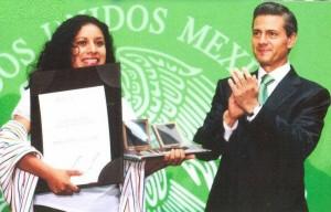 Recibiendo el Premio Nacional de la Juventud 2013. Foto: Cortesía