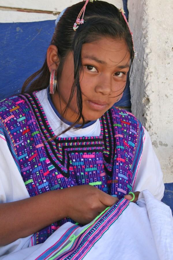 Alicia tejedora indígena de San Juan Cancúc, Chiapas. Foto: Isaín Mandujano/Chiapas PARALELO