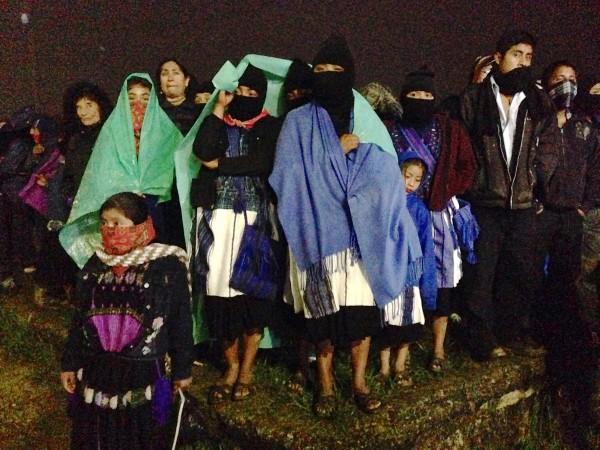 Familia del EZLN en el evento del 20 aniversario
