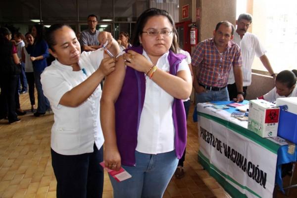 Entre octubre y diciembre de 2012 se han presentado al menos 4 casos de influenza en Chiapas,  con las características del  A H1N1. Foto: Campaña de vacunación de Secretaria de Salud