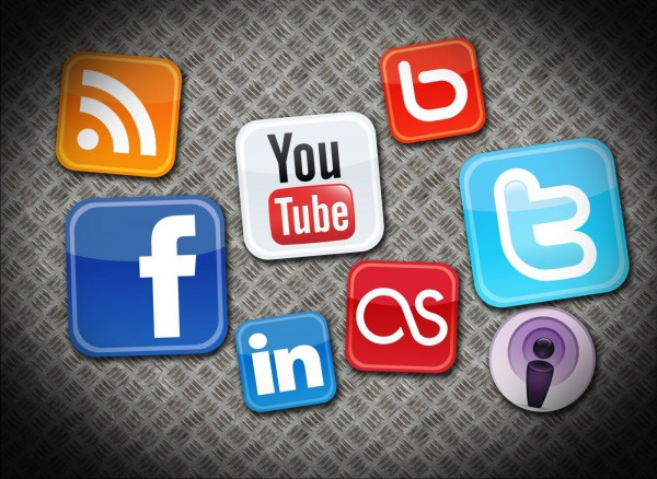 Las gráficas en Facebook incrementan en 69% los comentarios, likes o notas compartidas. En tanto, en Twitter se obtiene 94% más retuits cuando los mensajes van acompañados de fotos.
