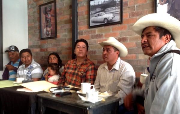 Desplazados de Carranza y Teopisca en Tuxtla. Piden intervención del gobierno para regresar a sus comunidades de origen. Foto Chiapas PARALELO