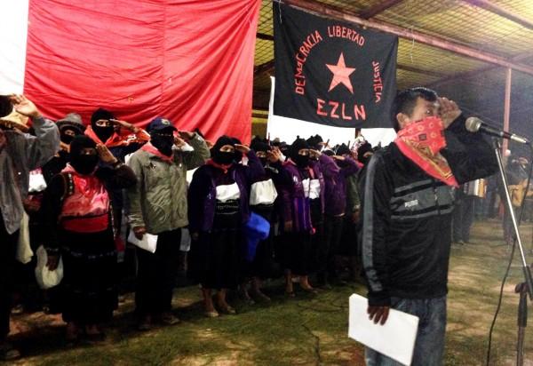 """""""No están sol@s"""", sino que les decimos: aquí estamos, estamos con ustedes, ni nos rendimos, ni nos vendemos, ni claudicamos"""", ratifican grupos adherentes a la causa del EZLN. Foto Isaín Mandujano/Chiapas PARALELO"""