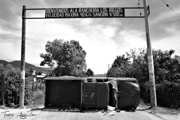 Velocidad máxima. Los Riegos, Comitán, Chiapas. Foto: Toño Aguilar