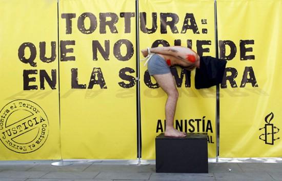 Amnistía-Internacional-tortura-denuncia-performance