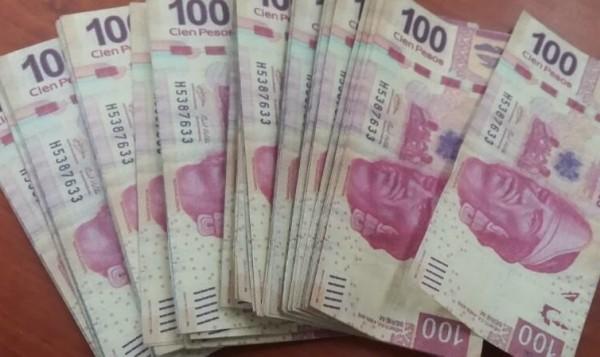 Billetes falsos decomisados en San Cristóbal de las Casas. Foto: PGR